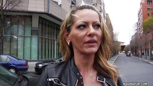 Zwangsjacke jock Aspen kitzelte unerbittlich deutsche geile weiber in bondage